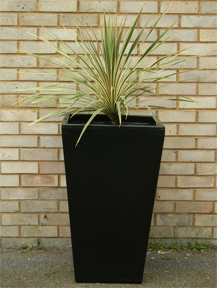 Cambridge Tall Garden Planter Black V2